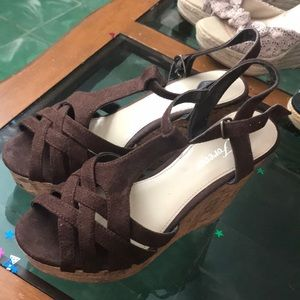 Forever brown wedges